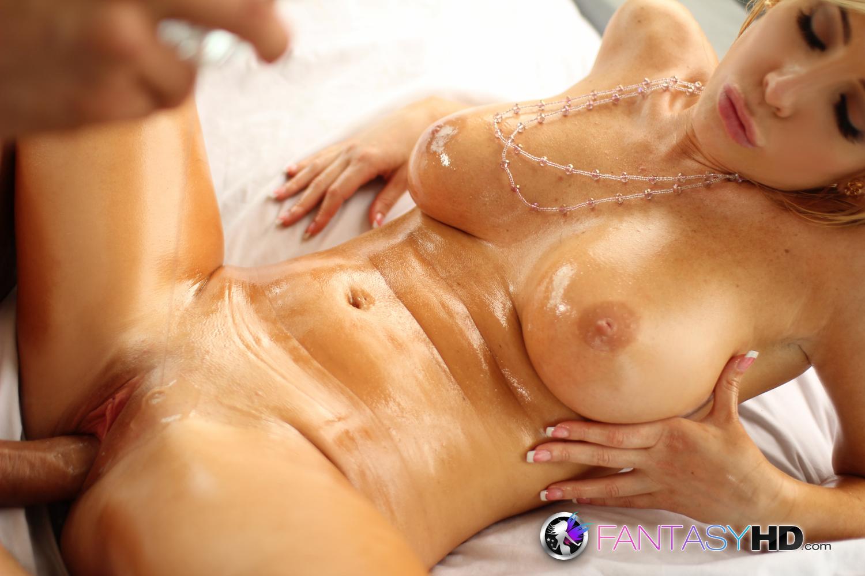 fantasyhdfan wp content gallery tasha reign in hot oil 04